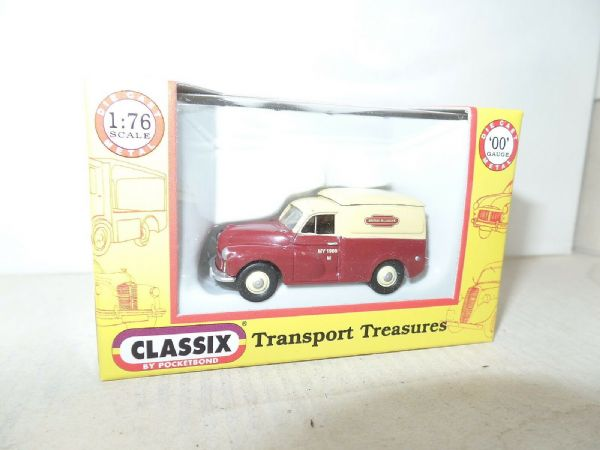 Classix EM76629 1/76 OO Scale Morris Minor 1000 Van British Rail Maroon & Cream
